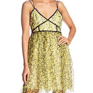 Romeo & Juliet Couture Yellow & Black Tulle Dress